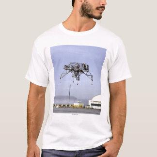 Mondlandungs-Forschungs-Fahrzeug im Flug T-Shirt