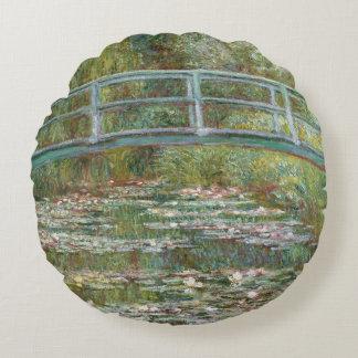 Monet Kunst-Brücke über einem Teich der Rundes Kissen