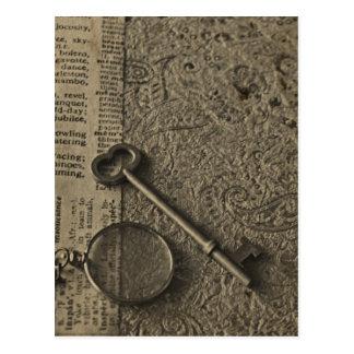 Monocle und Schlüssel Postkarte