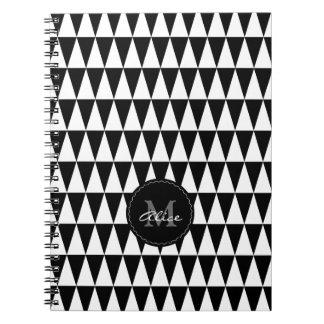 Monogramm auf Dreieck-Muster Spiral Notizblock