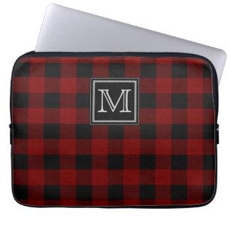 Monogramm auf schroffem rotem und schwarzem karier laptopschutzhülle