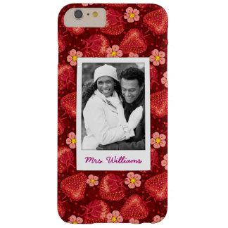Monogramm des Erdbeerblüten-Muster-| Barely There iPhone 6 Plus Hülle