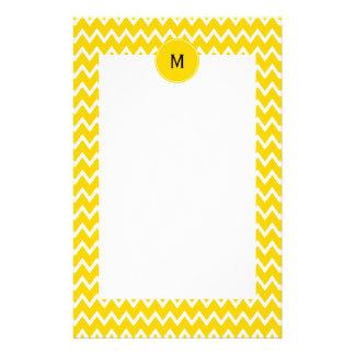 Monogramm-gelbes und weißes Zickzack-Muster Bedrucktes Büropapier