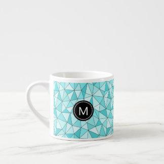 Monogramm-geometrische cyan-blaue Dreieck-moderne Espressotasse