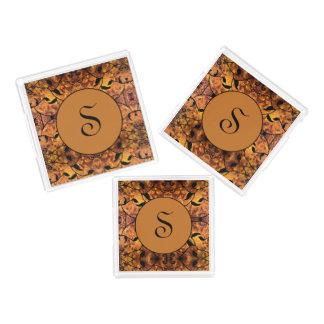 Monogramm-Herbst verlässt Silhouette-Muster Acryl Tablett