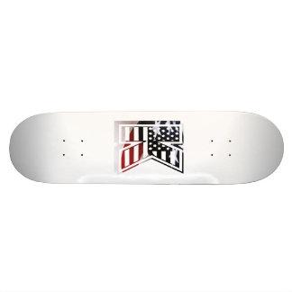 Monogramm-Initiale des Buchstabe-K patriotische Skateboardbrett