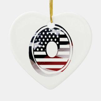 Monogramm-Initiale des Buchstabe-O patriotische Keramik Ornament