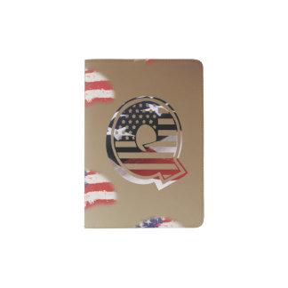 Monogramm-Initiale des Buchstabe-Q patriotische Passhülle