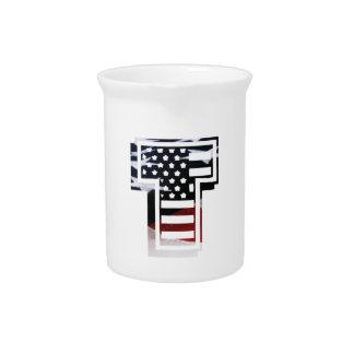 Monogramm-Initiale des Buchstabe-T patriotische Getränke Pitcher