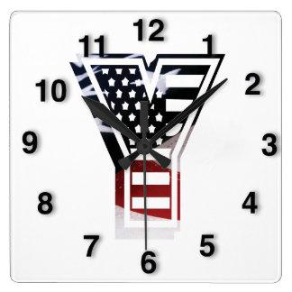 Monogramm-Initiale des Buchstabe-Y patriotische Quadratische Wanduhr