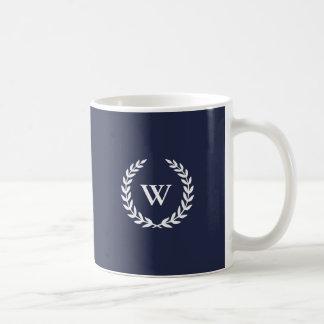 Monogramm-klassische elegante blaue Tasse