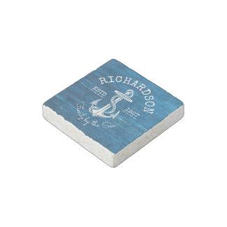 Monogramm-Vintages Seeanker-Blau hölzern gemalt Steinmagnet