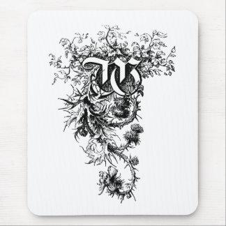 Monogramm W mit Distel-Blumen Mousepad