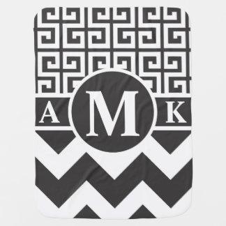 Monogramm-Zickzack griechisches Kinderwagendecke
