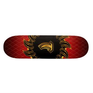 Monogrammentwurf T Personalisierte Skateboarddecks
