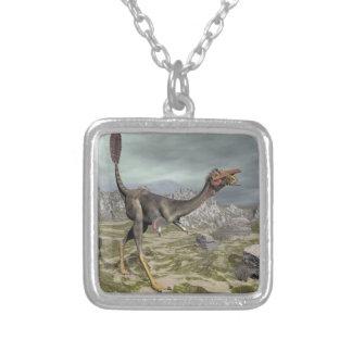 Mononykus Dinosaurier in der Wüste - 3D übertragen Versilberte Kette