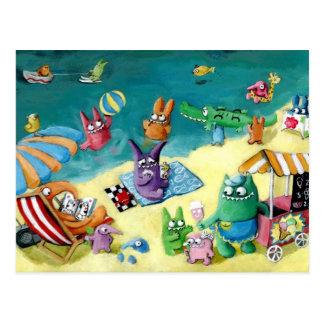 Monster auf dem Strand Postkarte
