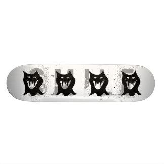 Monster-Cartoon, schwarz Personalisiertes Skateboard
