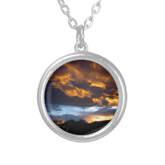 Montana-Sonnenuntergang Versilberte Kette