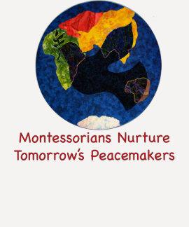 Montessorians ernähren Friedensviertelhülsen-T - Tshirt