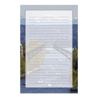 Montlake Brücken-und Kaskaden-Berge Briefpapier