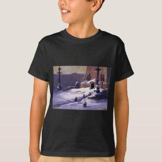 Monument im Schnee durch T.C. Steele T-Shirt