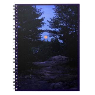 Moonrise im Hüttenlandnotizbuch Notizblock