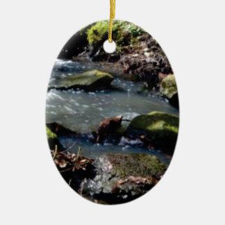 Moos in The Creek Keramik Ornament