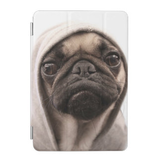 Mops in einem Hoodie iPad Mini Hülle