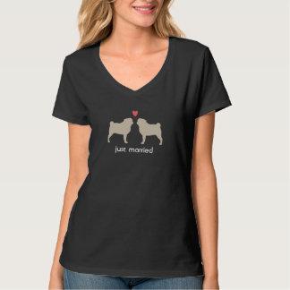 Mops-Silhouetten mit Herz-und Gewohnheits-Text T-shirt