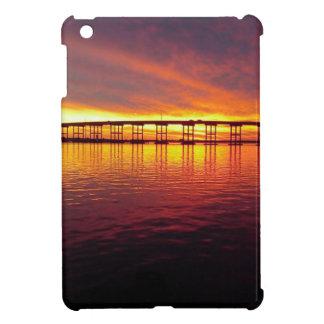 Morehead Stadt-Brücke am Sonnenuntergang iPad Mini Hülle