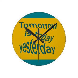 Morgen ist… runde wanduhr