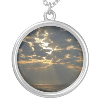 Morgen Sun auf Ozean - Eichen-Insel, NC Versilberte Kette