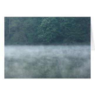 Morgennebel auf dem Fluss Karte