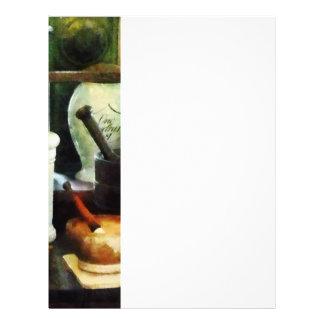Mörser, Stampfen und weiße Gläser 21,6 X 27,9 Cm Flyer