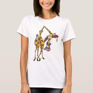Motiv: lustige Giraffe mit Ohrring und Goldzahn T-Shirt