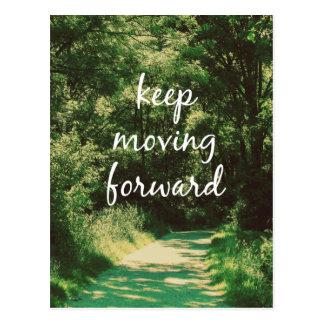 Motivierend behalten Sie Zitat vorwärts bewegen Postkarte