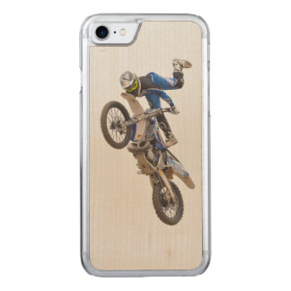 Motocross-Extrem-Tricks Carved iPhone 8/7 Hülle
