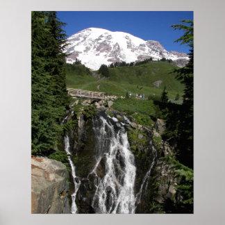 Mount- Rainier und Myrte-Fälle Poster
