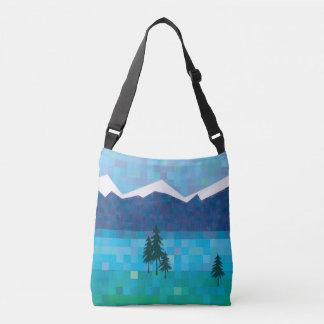 Mountainseen, Kiefer und schneebedeckte Spitzen Tragetaschen Mit Langen Trägern