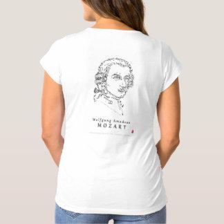 Mozart stellen die Musik gegenüber T-Shirts