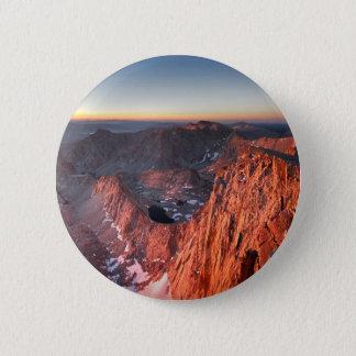 Mt Whitney und Berggipfel-Sonnenaufgang - John Runder Button 5,1 Cm