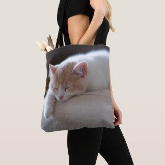 Müdes beige und weißes Kätzchen Tasche