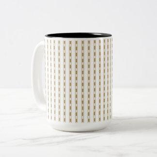 Mugs_Beige_Checks_ Zweifarbige Tasse