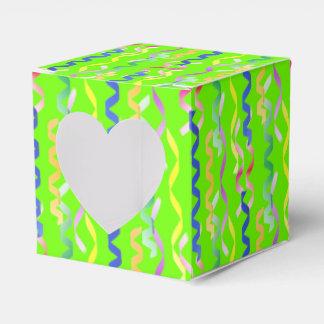 Multi Party-Ausläufer auf Neongrün Geschenkschachtel