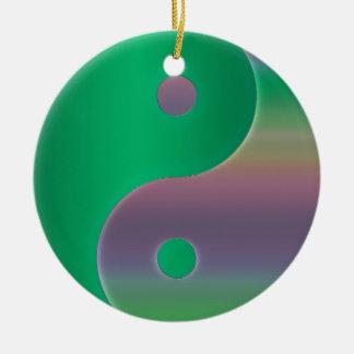 Multikulturelle grüne Yin-Yang Rundes Keramik Ornament