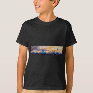 München-Skyline an der Dämmerung mit Alpen T-Shirt