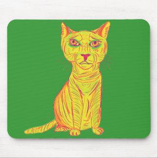 Mürrische und verwirrte gelbe Katze, naive Art Mousepads