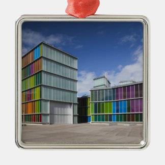 MUSAC, Kunstmuseum 2 Quadratisches Silberfarbenes Ornament