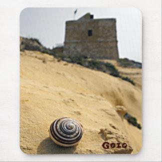 Muschel und Turm, Gozo, Malta Mousepad